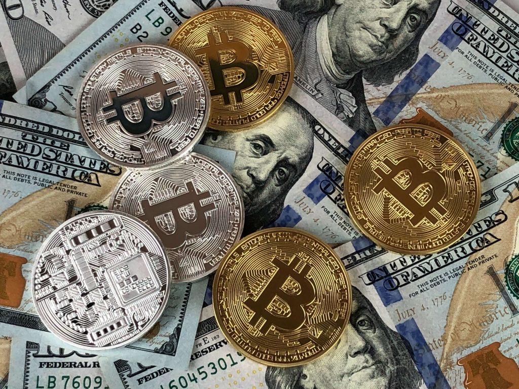 play online slots with real money and bitcoin