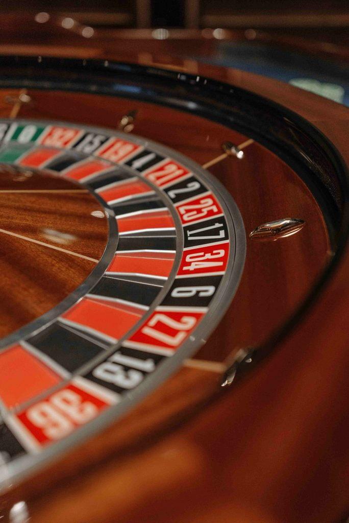 Classic European Roulette vs Classic American Roulette at Cafe Casino