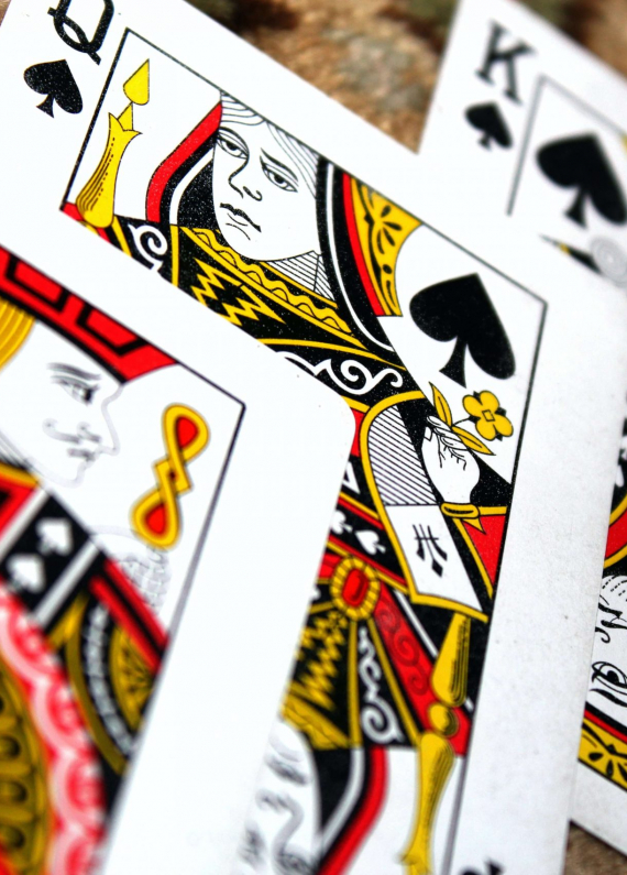 Blackjack vs Video Poker - Which Game is Right for You?